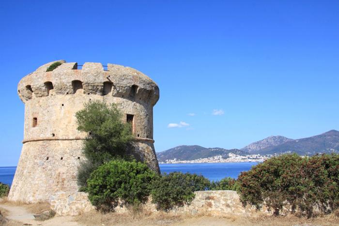 Les tours à Ajaccio